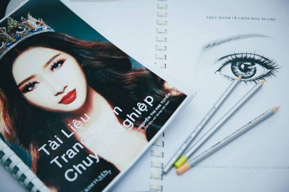 Học Make Up Chuyên Nghiệp ở Tp.hồ Chí Minh
