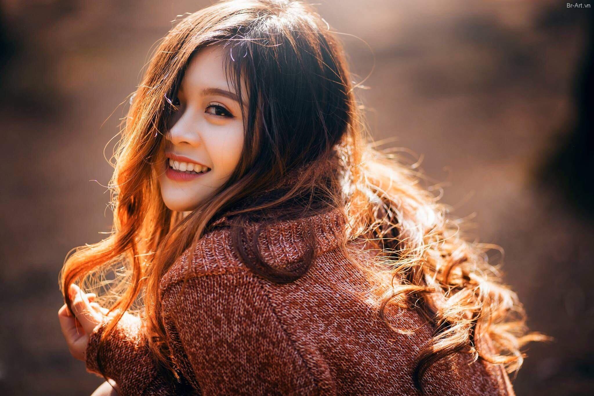 15 cách chụp ảnh chân dung đẹp ở ngoài trời, trong nhà bắt sáng tốt |  websosanh.vn